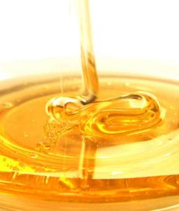 The-Truth-Behind-Honey-Home-Remedies_full_article_vertical
